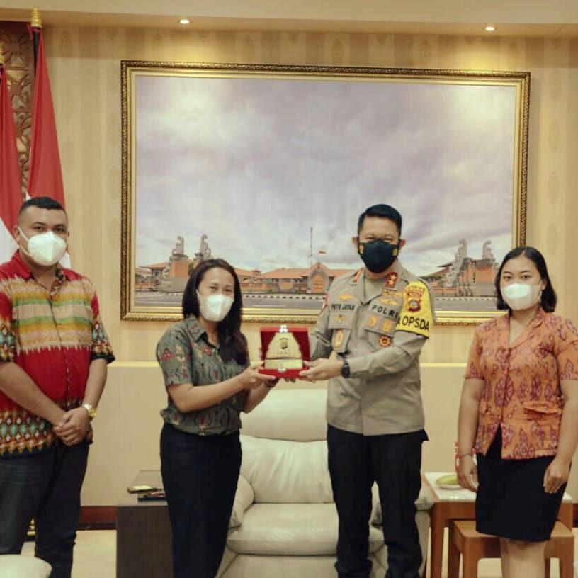 Kapolda- Elemen Mahasiswa Bali Sinergi Sosialisasi Vaksinasi Covid-19.